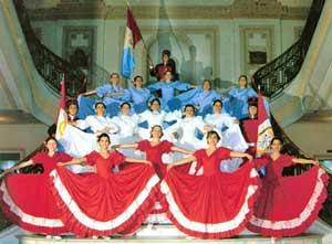 Ballet Renacer de la Ciudad de Coronda, Provincia de Santa Fe, Argentina,  creado y dirigido por las hermanas María Gabriela y María Alejandra López Fragnito