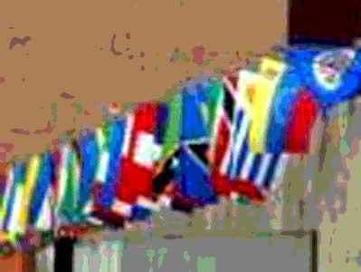 Banderas americanas y la de España en un acto oficial