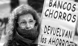 """Protestas en Argentina durante el crasch económico y financiero llamado """"el corralito"""""""