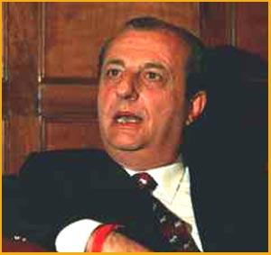 El político y periodista de Argentina Elbio Martínez, nacido en Santa Isabel, Santa Fe y fallecido el 30 de Enero 2011 en Rosario