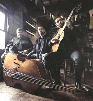 Libertango Trío, del que forma parte el guitarrista uruguayo Guillermo Gagliardi, entrevistado en Argentina Mundo www.argentinamundo.com