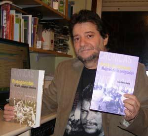 Lois Pérez Leira, gallego de Vigo con formación y gran parte de su vida en Argentina, presentando dos libros