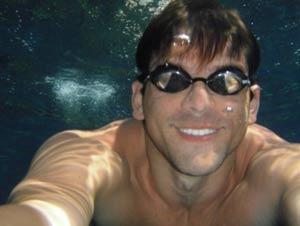 El nadador argentino Matías Ola que emprenderá el desafío de unir los cinco continentes nadando
