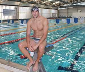 El nadador argentino nacido en Tucumán, Matías Ola. Emprende en 2013 el desafío de unir los cinco continentes a nado