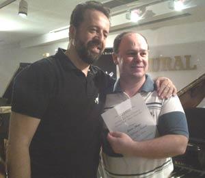 El director y profesor español Francisco Navarro Lara, junto al director, arreglador y músico argentino Gabriel Alustiza. Huelva, agosto 2013