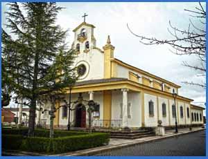 Iglesia en honor de los santos patronos de Cervatos de la Cueza, Palencia, Santa Colomba y San Miguel, construido por el gobierno de Argentina, ya que en esa localidad de Palencia nació el padre del General San Martín