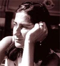 Adela Desideri, poetisa y escritora italiana, residente en Milano.