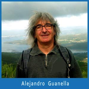 Alejandro Guanella, humorista y escritor argentino que vive en Vilagarcía de Arousa, Pontevedra, España