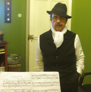 Antonio Piedrafita Nieto, inmigrante argentino en VIgo, nacido en El Abasto, Buenos Aires. Toca el bandoneón