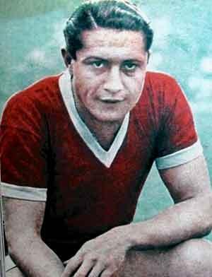 Arsenio Erico, considerado como uno de los mejores jugadores de todos los tiempos de la liga de fútbol en Argentina. Nació en Asunción de Paraguay