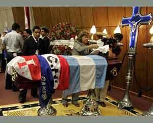 Velatorio en Argentina del gran jugador paraguayo de fútbol Arsenio Erico