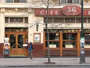 Café 36 Billares, un clásico de la ciudad de Buenos Aires, Argentina, en plena Avenida de Mayo
