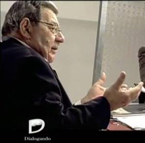 """Doctor Ricardo Dealecsandris, realizador del programa """"Dialogando"""" que se emite por el Canal21 TV del Arzobispado de la ciudad de Buenos Aires, Argentina"""