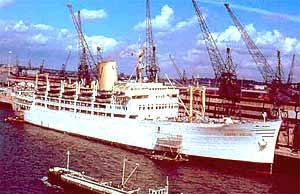 """Buque italiano """"Castel Felice"""" que realiza viajes trasatlánticos entre el Puerto de Vigo, en España, y el de Buenos Aires, en Argentina"""