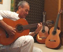 Nicolás Brizuela, el popular Colacho, guitarrista argentino que acompañó muchos años a Mercedes Sosa