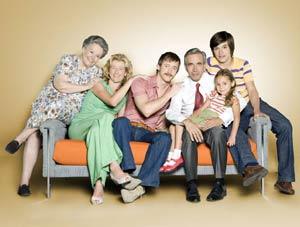 """Fotografía del elenco del programa televisivo """"Cuéntame como pasó"""", el gran suceso en la programación de RTVE desde 2001"""