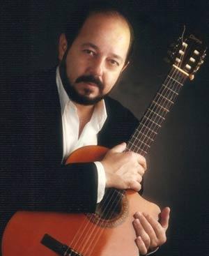 El cantante y guitarrista argentino Daniel Calá, residente en Vigo, España