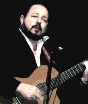 Daniel Calá, cantante y guitarrista argentino que reside en Vigo y gestiona el mítico local El Rincón de los Artistas