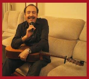 El cantor argentino de tango Daniel Castelli, grabando para Canal Aldiser tangos en Cangas, Pontevedra, Galicia, España
