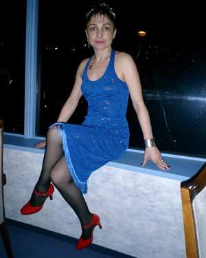 """Dina Emed, escritora. poetisa, bailarina, cantante y difusora del tango argentino a través de su show y programa de radio """"Piel de Tango""""."""