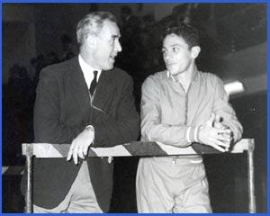 El gran atleta argentino Domingo Amaison, nacido en Córdoba, Argentina, durante la disputa de una prueba que ganó