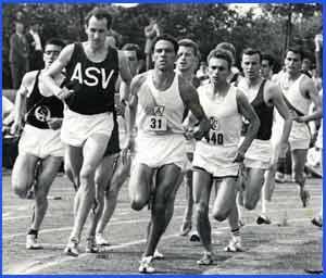 Una de las muchas carreras de atletismo con el argentino Domingo Amaison como protagonista