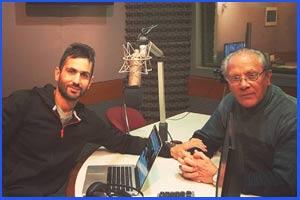 El atleta de Argentina Domingo Amaison en una de las entrevistas en emisoras de Buenos Aires que le han realizado