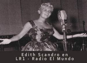 La cantante argentina Edith Scandro, La linda que canta lindo, actuando en el Audiotorio de LR1 Radio El Mundo de Maipú 555, Buenos Aires, Argentina