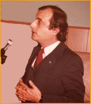 Elbio Martinez, periodista y político de Argentina que militó en el PDP Partido Demócrata Progresista, llegando a ser concejal en la Municipalidad de Rosario y Diputado provincial en Santa Fe