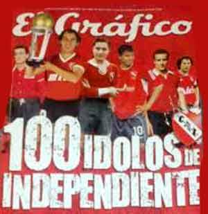 Portada de la Revista El Gráfico reuniendo a los Cien Mejores del Club Independiente de Avellaneda, entre ellos, el paraguayo Arsenio Erico en una posición central