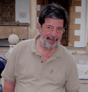 Fernando Cecchi, creativo argentino nacido en Rosario, Provincia de Santa Fe. Tiene en su haber grandes producciones para el cine publicitario, los dibujos animados, los documentales, la producción de imágenes para el periodismo, etc.