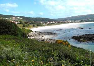 Vista de una playa de Finisterre, Galicia, España. Oeste español bañado por el Atlántico