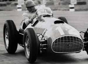 José Froilán González, la otra gran figura internacional del automovilismo que aportó Argentina en los años en los que Juan Manuel Fangio dictaba cátedra