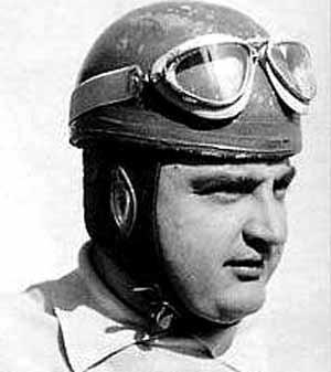 José Froil´án González, piloto de F1 y pruebas de gran duración como Le Mans, nacido en Arrecifes, provincia de Buenos Aires y fallecido en Buenos Aires, Argentina el 15 de junio 2013