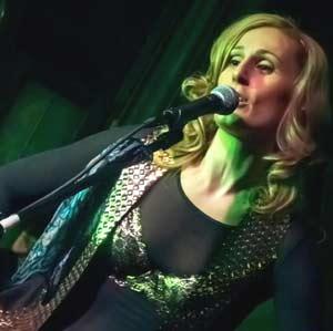 Gaby Bistot, cantante y compositora musical de Argentina, especializada en Gospe/Soul&Pop