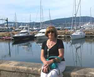 Gema López Abad en uno de los puertos gallegos, durante su visita desde Argentina