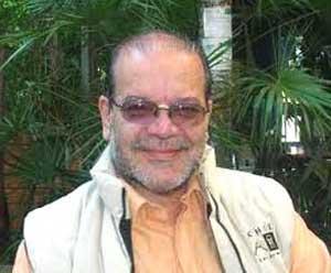 Doctor Guillermo Fernández D´Adam, prestigioso psiquiatra argentino que aplica, entre otras técnicas terapeúticas, el recitado de poesía a sus pacientes