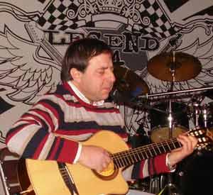 Gustavo Patanchón, músico y cantautor argentino radicado en Brescia, Italia