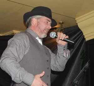 Héctor Alejandro Rial Picallo, el argentino en Galicia, el gallego en Buenos Aires, cantor de tango y abogado