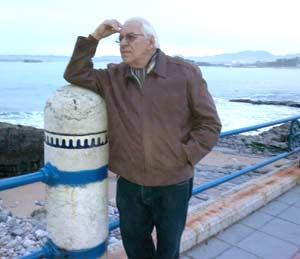 """Honorio Guerra Gómez, argentino residente en Laredo, Cantabria, España, donde realiza el programa de radio """"Laredo... esquina Tango"""""""