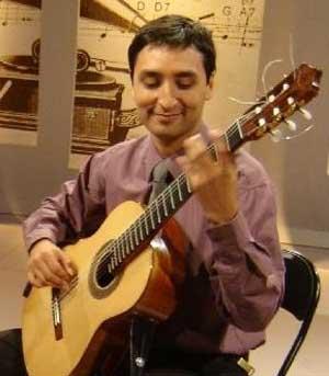 El guitarrista, compositor y profesor argentino Javier Bravo