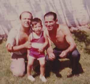 Jesús Alonso Olveira, inmigrante gallego en Argentina, en una foto con familiares
