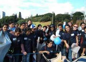Grupos de jóvenes argentinos y uruguayos por las calles de Madrid en la Semana de la Jornada Mundial de la Juventud 2011