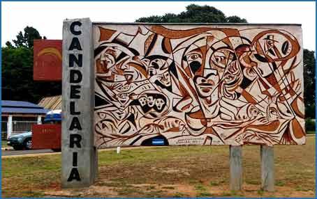 Mural emplazado en el acceso a la localidad de Candelaria, Provincia de Misiones, Argentina, del artista plástico de Córdoba, Jorge Cruz Crinejo