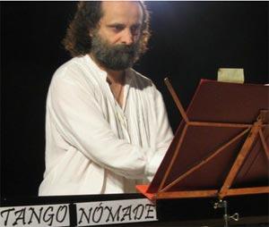 El pianista argentino Juan María Solare, que reside en Bremen, Alemania. Uno de los candidatos a premio LUKAS 2012 para Europa
