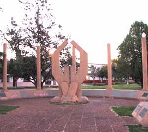 Monumento al Monumento al Centenario de la Colonia Lucienville en homenaje a la colectividad que se ha establecido en la provincia de Entre Ríos, Argentina. Está situado en las cercanías de Basalvilbaso