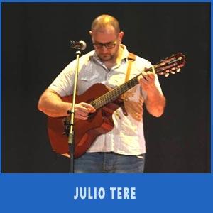 El cantante folklórico argentino Julio Tere nos dejó dos grandes chacareras en Auditorio de Teis, Vigo, Julio 2017