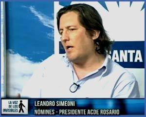 """Leandro Simeoni, creador de la empresa Nómines en Rosario, participando en el programa de televisión """"La Voz de los Invisibles"""""""