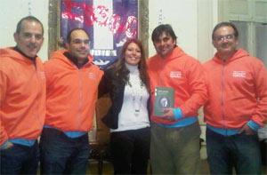 """Parte del equipo Cruce por la Educación Argentina en la presentación del libro """"Mujer y maestra"""" de Viviana Rivero, en Córdoba, Argentina"""