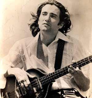 Lucas Apestegui, guitarrista, compositor y arreglador argentino residente en Los Angeles, EEUU